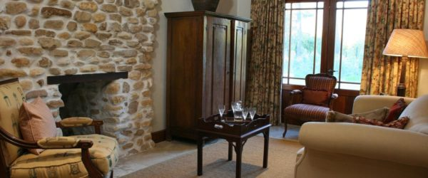 Suite 6 Lounge Area